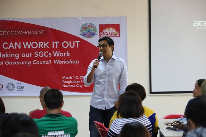 Mayor JohnRey Tiangco imparting some words of welcome and wisdom to the attendees of the Navotas Workshop